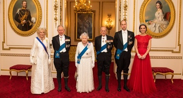 The Royals Pose for a Photo During the Diplomatic Corps Reception in December 2016