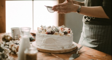 powdered sugar on cake