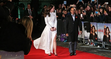 """Kate Middleton Wears a Self Portrait Dress to the Premiere of """"A Street Cat Named Bob"""" in Dec. 2016"""