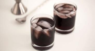 black cranberry cocktail